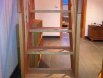 Raumspar-Treppe – Buche gedämpft – 2-seitig-Geländer