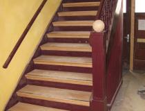 Treppenrestaurierung – Stufen Eiche – halb-gewendelt – mit Anti-Rutsch
