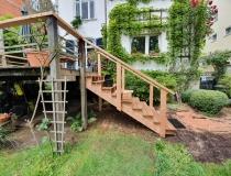 Holz-Außentreppe  erneuern = Wangen + Geländer aus Sibirische Lärche = Stufen aus Bankirai