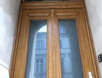 Eichen Holztür mit Stahlkern = 1-flg. Mit Oberlicht = 3-Fach Wärmeschutzglas = Profile mit Kapitelle = Oberfläche Natur geölt