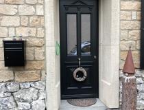Holztür mit Stahlkern – 1-flg. – 3-Fach Wärmeschutzglas – Alt-Messing Beschläge – Endlackiert Ebenholz