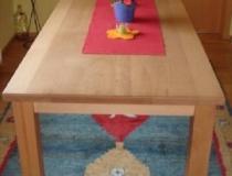 Tisch  Buche gedämpft – geölt – mit durchgehender Tischplatte
